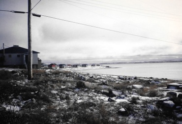A view of Puvirnituq in the fall of 1992. (PHOTO BY JANE GEORGE)
