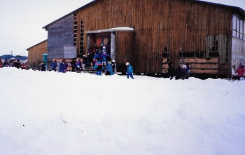 Puvirnituq's school in 1991, which was replaced by the Iguarsivik School. (PHOTO BY JANE GEORGE)