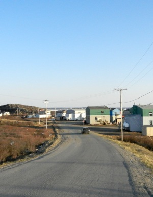 A street in Kuujuaq, where voters in decide in 1996 to keep the bar open — and in 2011 to start selling beer again. (PHOTO BY JANE GEORGE)