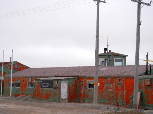 Military buildings are still standing in Resolute Bay, but growing more dilapidated with the years. (PHOTO BY JANE GEORGE)