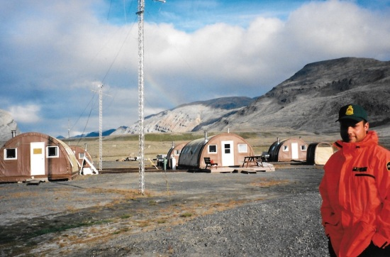 Geoff Walker, Tanquary Fiord park headquarters, July, 1997. (PHOTO BY JANE GEORGE)