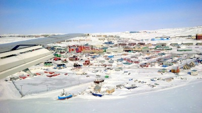 Iqaluit looks cute as we prepare for landing in March 27. (PHOTO BY JANE GEORGE)